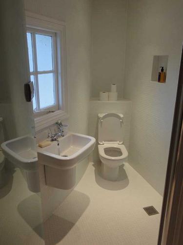Bathroom4-800H